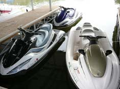 Many types of watercraft available for rent